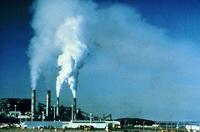 Luftforurensing fra fabrikkpiper_offentlig bilde