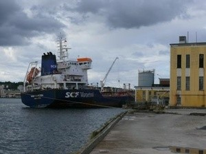Eksplosjonsrammet skip Oleon (Ingress image)