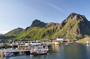 Regjeringen har lovet å ikke åpne Lofoten, men nå står de mest omstridte blokkene (Nordland VI) på menyen som oljeselskapene skal ønske seg leteområder fra.