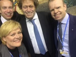 Etter to spennende uker i Paris ble det i kveld en global klimaavtale som omfatter 186 land. På bildet: Utenriksminister Børge Brende, Cicero-direktør Kristin Halvorsen, Bellona-leder Frederic Hauge og Yara-direktør Svein-Tore Holsether.