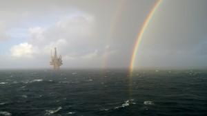 Oljeplattform Norge regnbue