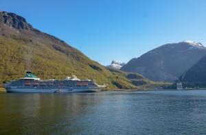 Cruiseskip i Nærøyfjorden
