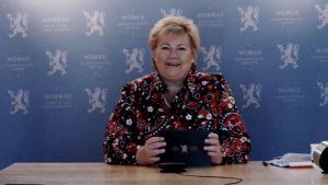 Statsminister Erna Solberg åpner herved verdens første helelektriske oppdrettsanlegg for laks.