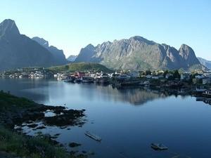 Reine i Lofoten en sommerkveld