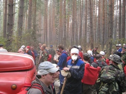 bodytextimage_picture-05-sarov-volunteers-helping-in-firefighting-efforts-in-Sarov-forests.jpg