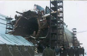 Defuelled Kursk will join submarine graveyard - Bellona org