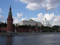 frontpageingressimage_800px-Moscow_Kremlin_from_the_river.jpg