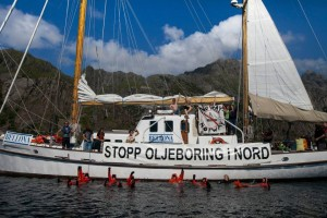 Resisting oil drilling from Bellona's sailship Kallinika