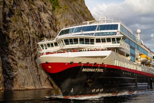 Norwegian cruise ship Hurtigruten - Bellona engages in electrification of large ships