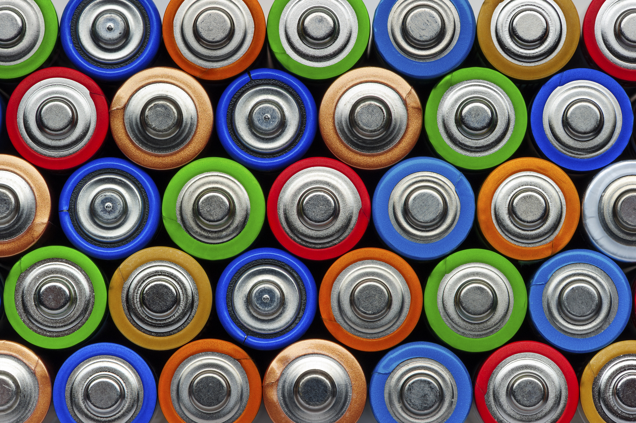 battery industry A study released on february 1 claims the us lead battery manufacturing and recycling industries produced a $28 billion economic benefit for the us economy in 2016 and employed more than 20,000, with a broader impact of nearly 95,000 jobs employees who enter the lead battery industry, including.