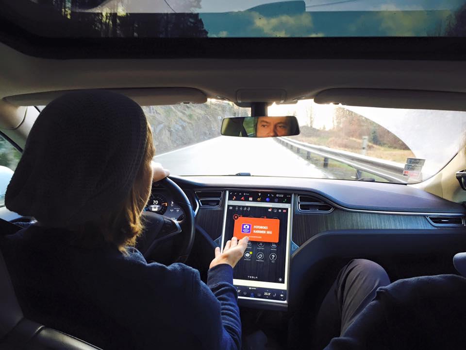 driving_tesla electric car