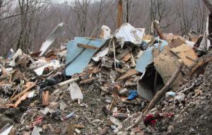 foto 5 -- construction waste between Gapichino and Kamenka villages