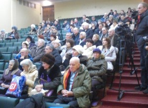 "Participants of a public hearing on decommissioning ""Site 310"" at the Angarsk Electrolysis and Chemical Combine, Angarsk, December 5, 2014. (Photo: Andrei Ozharovsky / Bellona)"