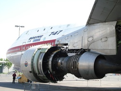 bodytextimage_JT9D_on_747.JPG