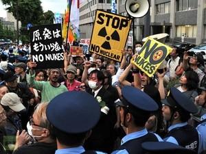 Antinuclear Protest Japan (Ingress image)
