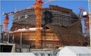 17 июля 2011 года произошло обрушение 1200 тонн металлоконструкций на строительстве защитной оболочки реакторного здания первого энергоблока Второй Ленинградской АЭС.