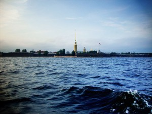 В результате климатических изменений к концу века уровень Финского залива может подняться на высоту от 0,4 до 1 метра. От наводнений уже страдает курортная зона Санкт-Петербурга.