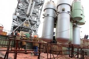 Осенью 2013 года, по сообщению пресс-службы петербургского Балтийского завода, 220-тонные парогенерирующие блоки, изготовленные по проекту ОКБМ им. Африкантова, были транспортированы из эллинга цеха №6 к достроечной набережной, где в присутствии представителей концерна «Росэнергоатом» и Российского морского регистра судоходства были погружены в реакторные отсеки плавучего энергоблока.