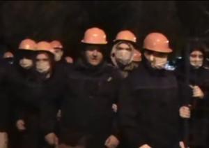Сотрудники ЧОП «Домстрой» во время противостояния с местными жителями. Москва, Профсоюзная ул., 128, 27 сентября 2016 года.