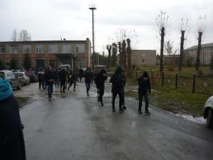 Сторонники строительства Томинского ГОКа после окончания общественных слушаний 14 октября.