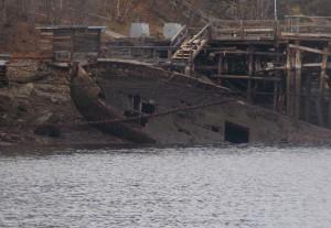 Свалка кораблей в Кольском заливе.
