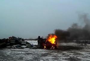Обжиг автомобилей у Лиговского канала в ПМЗ Горелово.