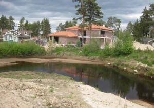 Берегозахваты на реке Сестра, Ленинградская область.
