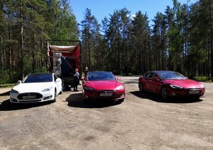 Tesla electrocar rally petersburg murmansk