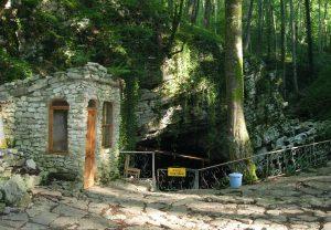 07_Вход в Вороновские пещеры