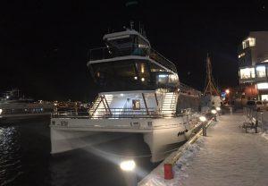 Брим - полность. электрическое туристическое судно