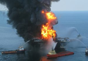 Deepwater_Horizon_offshore_drilling_unit_on_fire_2010 (1)