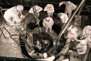 akademik-lomonosov-reactor-loading